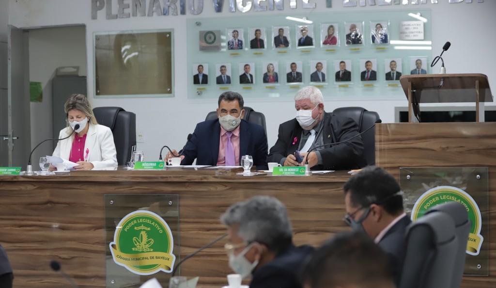 Fiscalização no mercado público, CEP e academia para o Conjunto Mariz e outros requerimentos são aprovados na Câmara