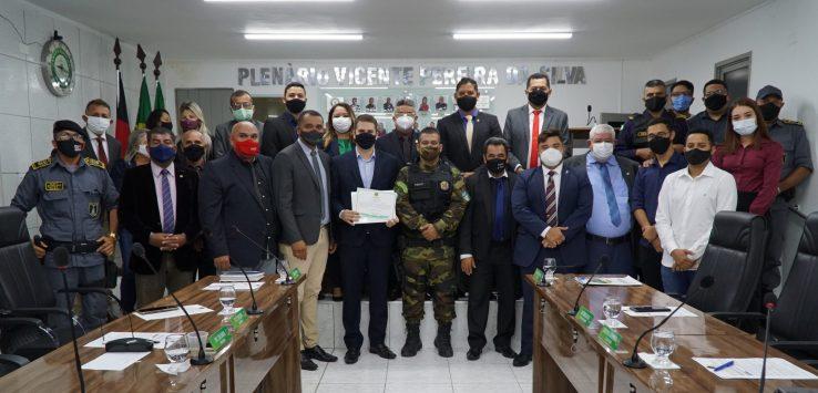 Câmara Municipal de Bayeux entrega Voto de Aplauso ao secretário de Segurança Thalles Trajano e sua equipe